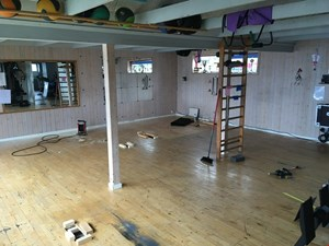 Gulv i træningslokale under renovation!